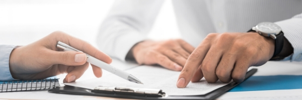 contract negotiations | 8 reasons to hire a real estate agent